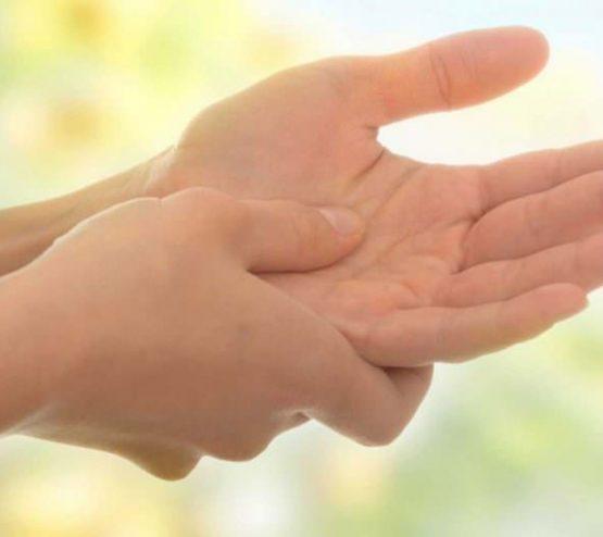 Какво прави дланта ни и колко тежи облак - факти, трудни за забравяне