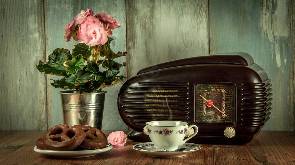 На 25 януари българското радио отбелязва своя празник. Имен ден празнуват.