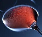 Защо в малки количества червено вино