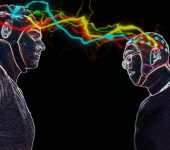 Първият мозъчен интернет: Свързаха мозъците на трима души за обмяна на мисли