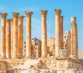 31 декември 1869 г. - Джон Търтъл Ууд открива легендарния храм на Артемида от Ефес