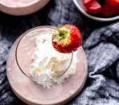 Здравословно смути от ягоди (веган + без млечни продукти)