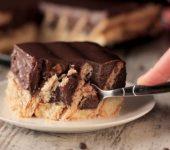 Бисквитена торта с бишкоти и шоколадов крем
