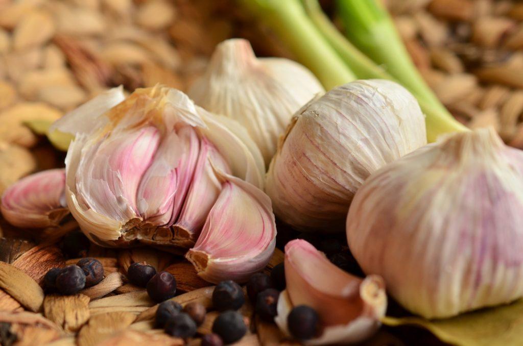 Картинката не може да има празен alt атрибут; името на файла е garlic-1336910_1920-1024x678.jpg